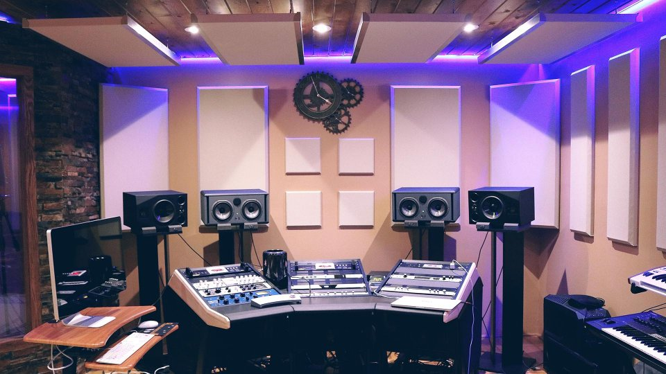 6 concrete steps to become a music producer